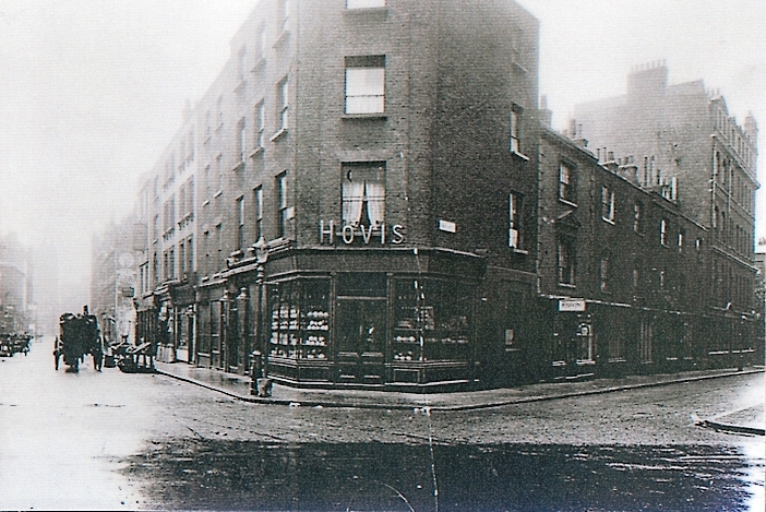Circa 1910 Corner of Earlham Street West and Mercer Street North