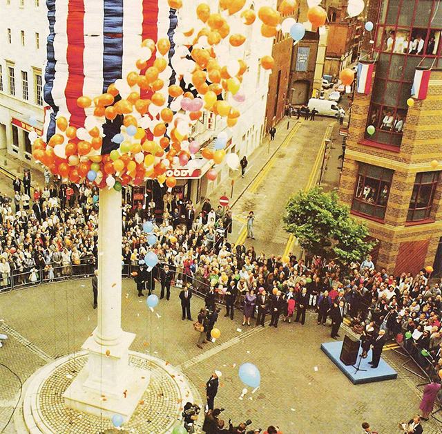 The unveiling of the Sundial Pillar by HM Queen Beatrix of the Netherlands and Prince Claus — the finalé of the 1988/9 William & Mary Tercentenary celebrations. The Pillar's reconstruction re-invented a lost neighbourhood.
